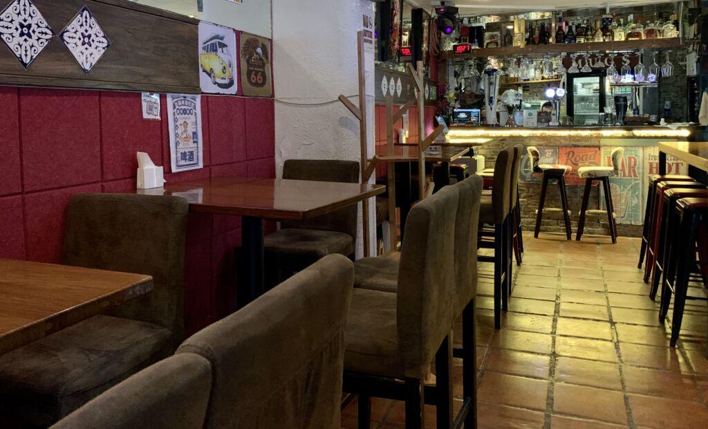 Mugs Macau Inside Tables Dark Environment Macau Lifestyle