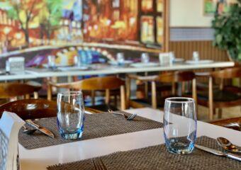 1826 Restaurante Tennis Club Table with Glasses Macau Lifestyle