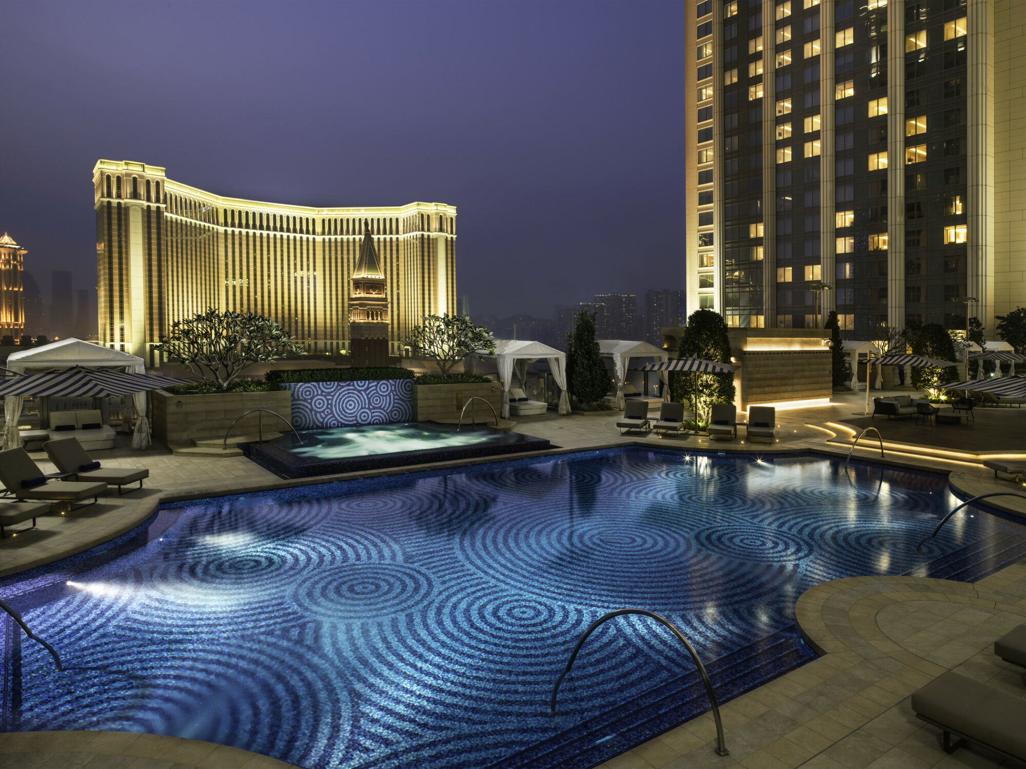 pool st regis macao cotai strip