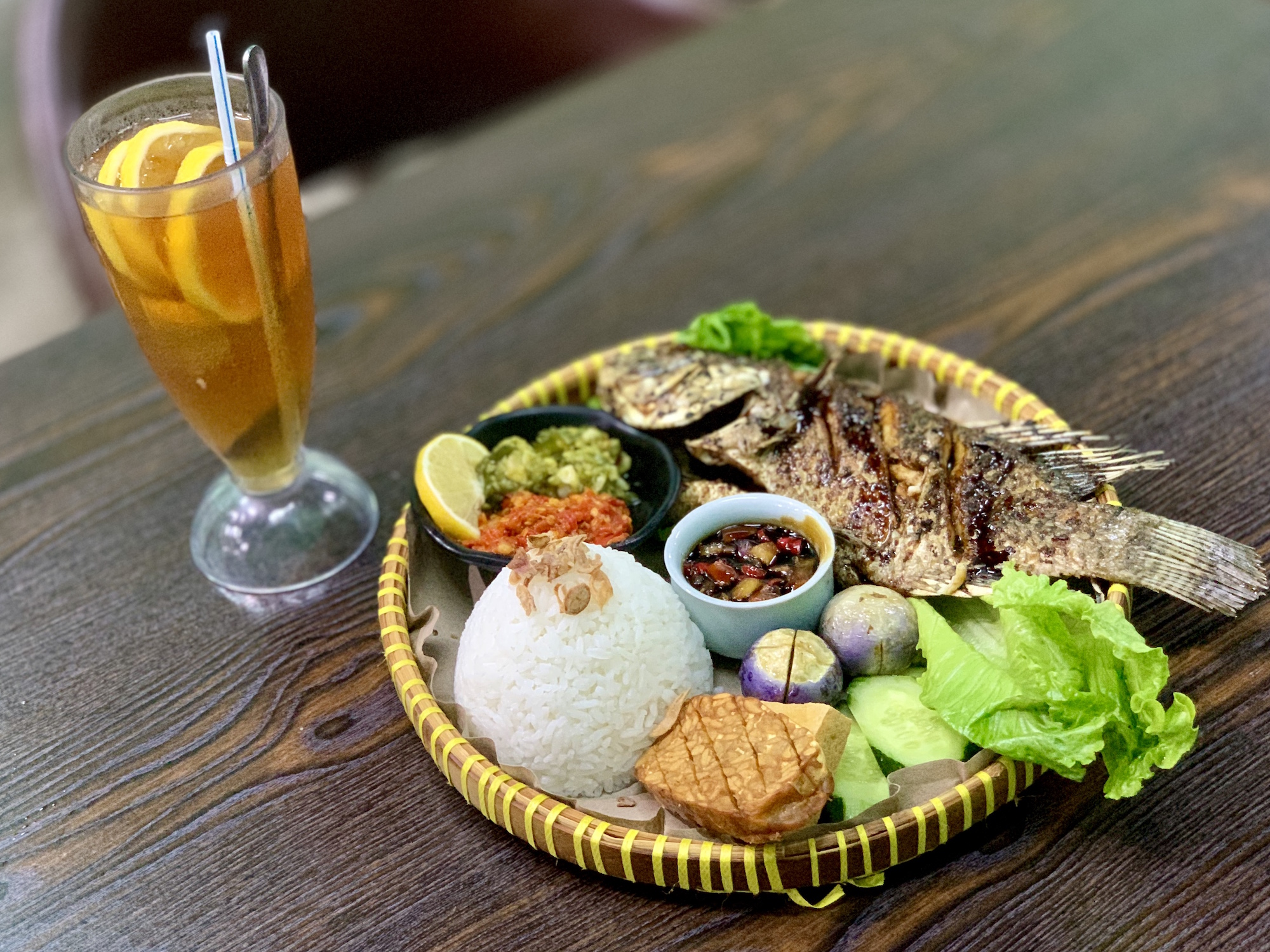Cafe Sambal Jawa Indonesia Restaurant Interior Fried Fish with Rice and Spices and Iced Tea Center Macau Lifestyle.jpg
