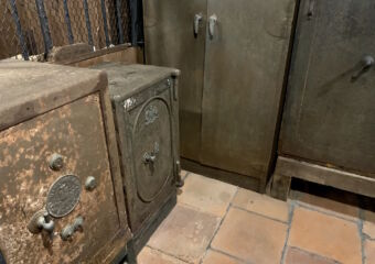Pawnshop Museum Interior Old Safes Macau Lifestyle