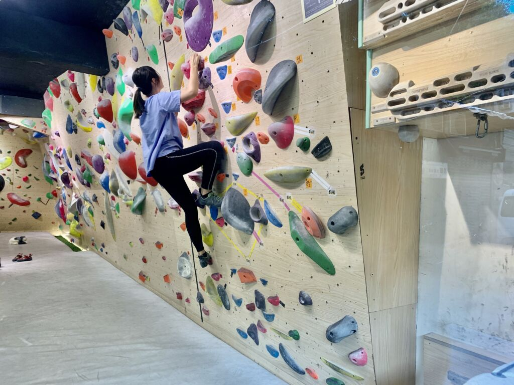 Solution Climbing Gym Wall with People Macau Lifestyle
