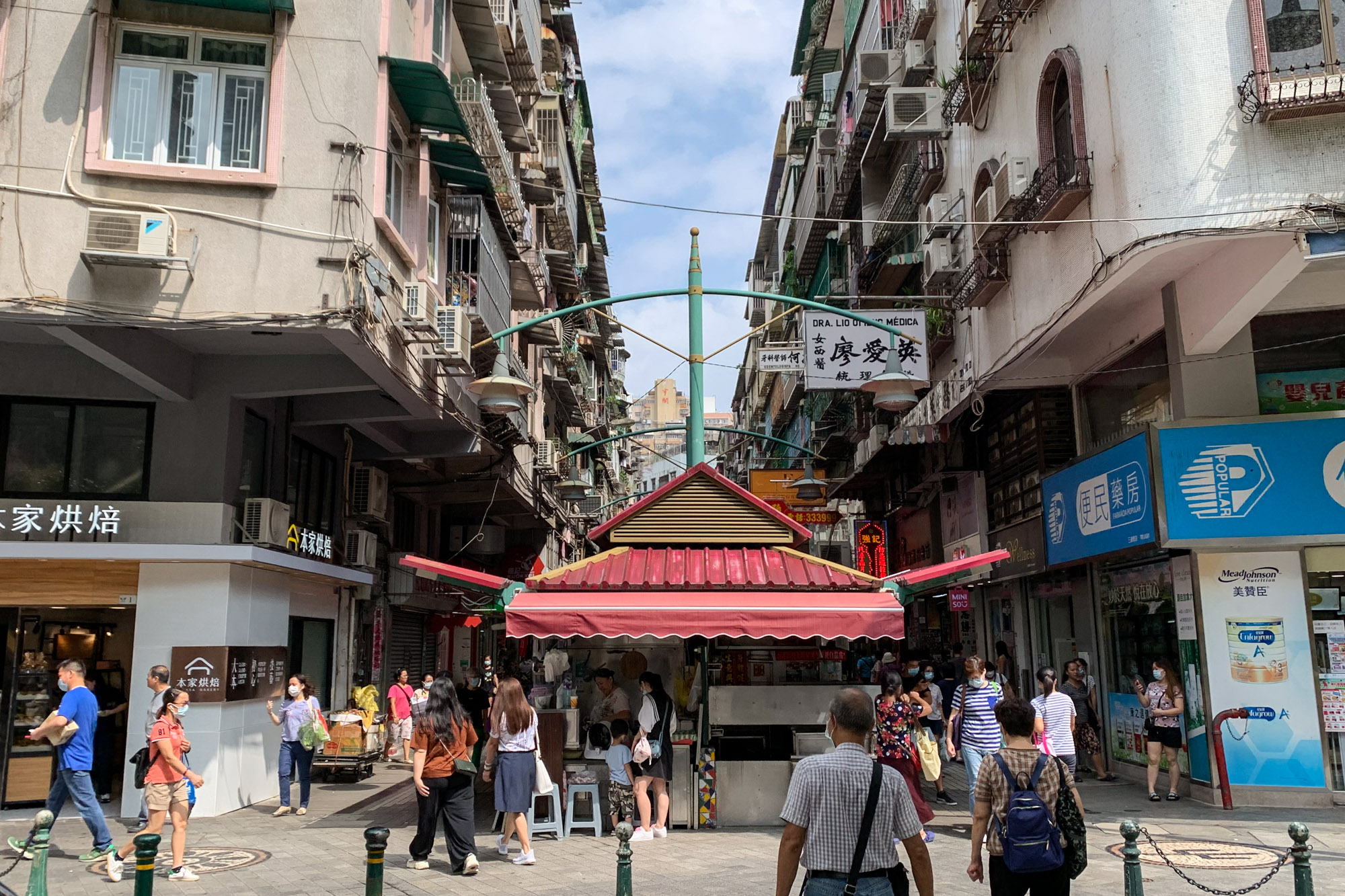 Three Lamps District Stalls Front View Macau Lifestyle