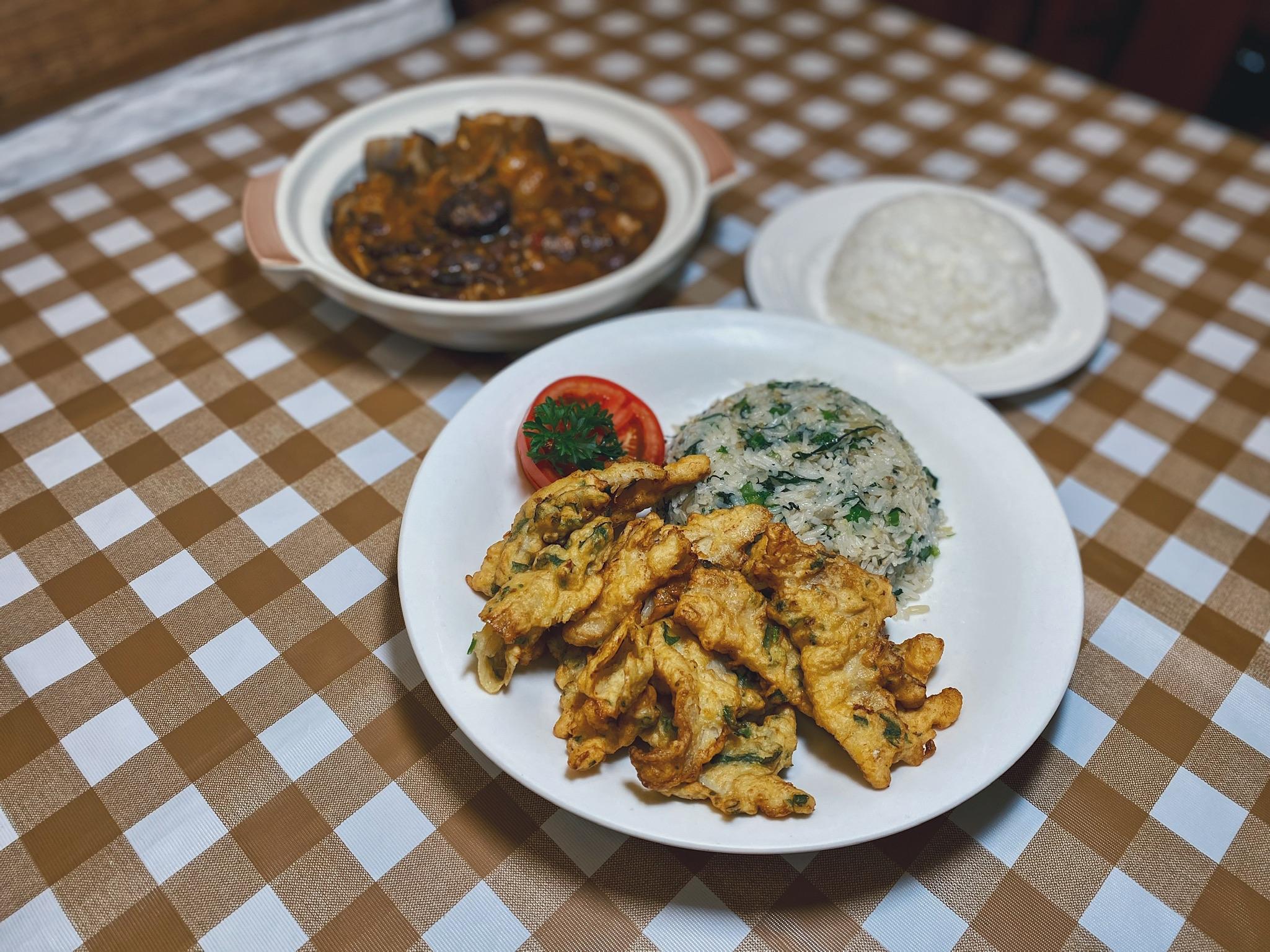 a-lorcha-restaurant-macau-codfish-fritters-portugues