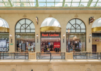 foot locker shop at the parisian macao exterior