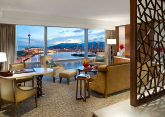 mandarin oriental waterfront suite