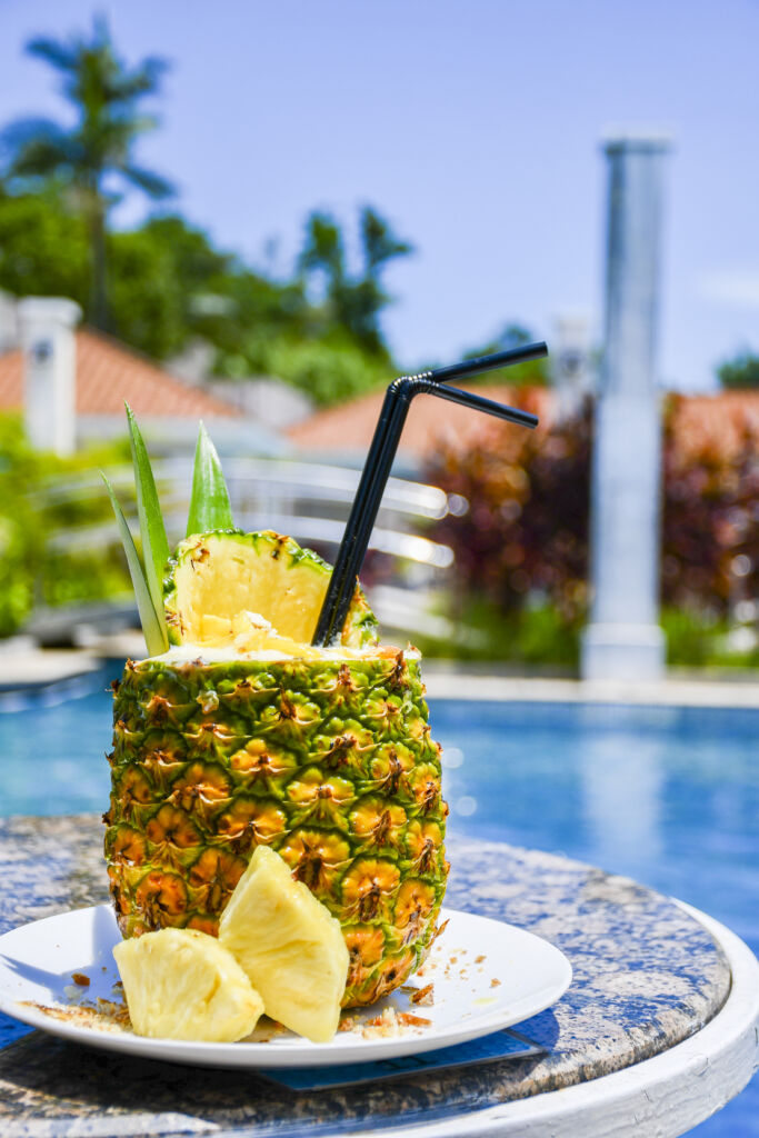 pineapple cocktail grand coloane