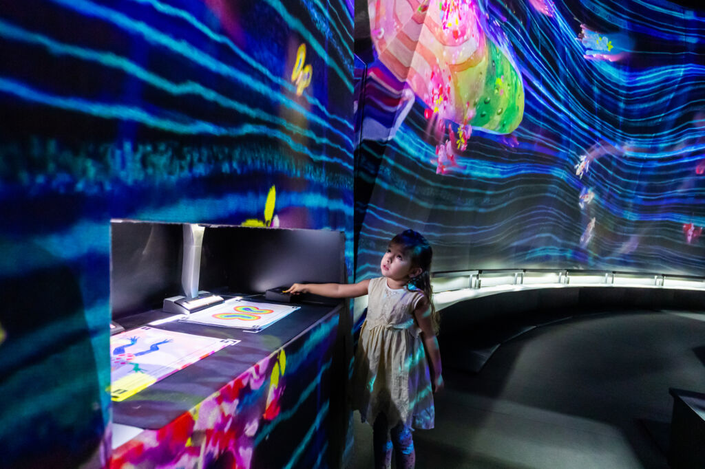 teamlab supernature macaoinverted Graffiti Nature, Red List Family-Friendly Macau Guide