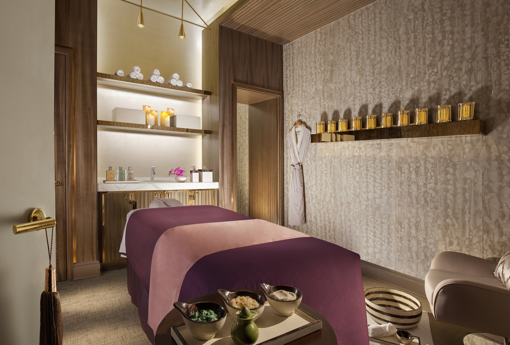 Le Spatique Treatment Room at the Parisian Macao