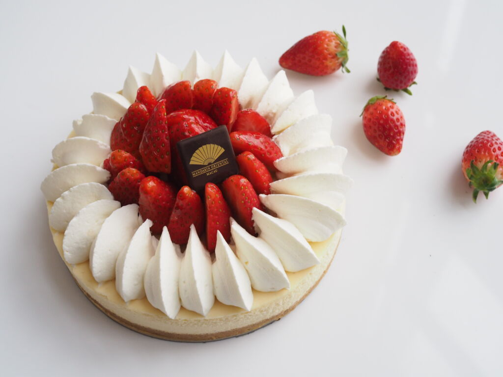 Mandarin-Oriental-Macau_The-Mandarin-Cake-Shop_Strawberry-Cheesecake