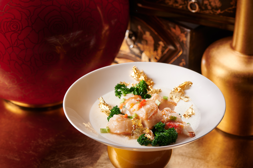 Wing Lei – Steamed egg white with Hokkaido scallops, fresh crab meat and roe
