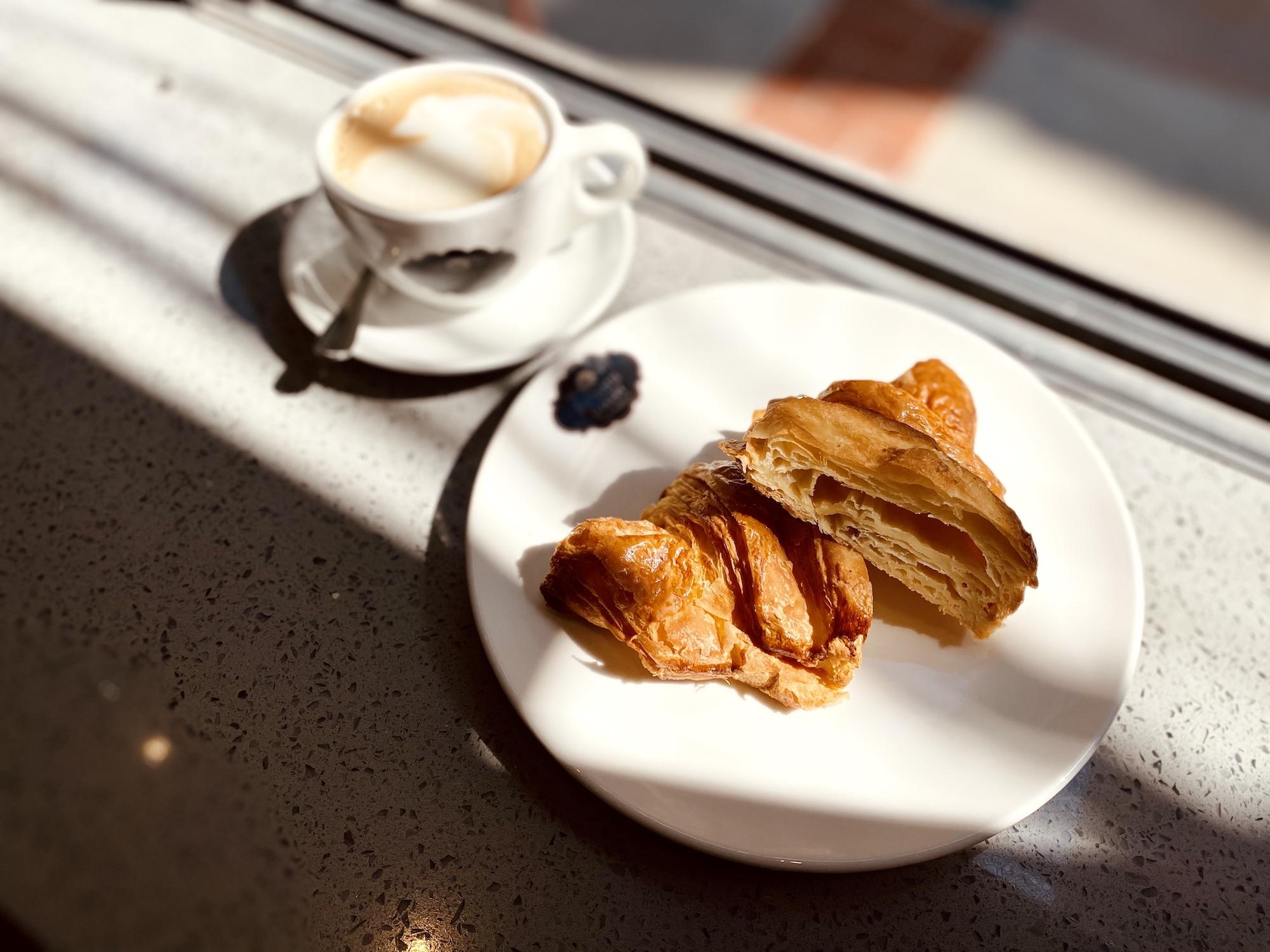 portuguese bakery taipa village croissant