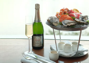 Champagne and Seafood at Vida Rica Bar