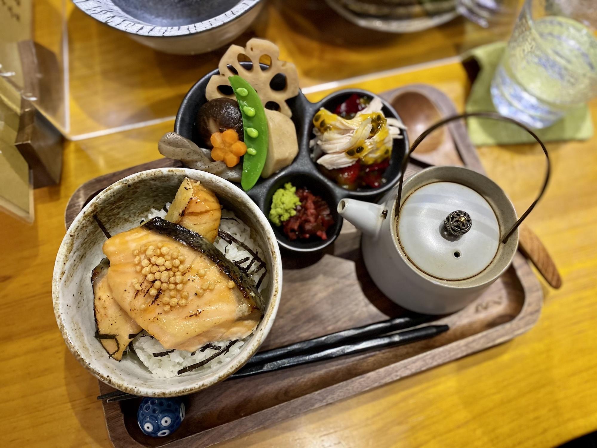wabi-sabi casual japanese restaurant macau lunch set salmon